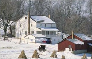 Winter-amish-farmhouse